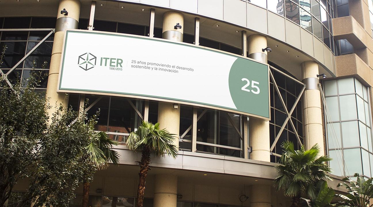 Banner publicitario con motivo del 25º aniversario del ITER (2015) con el lema